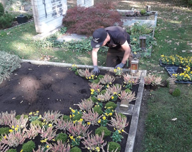 Grabpflege / Dauergrabpflege